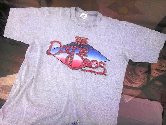 Sell By Owner >> Vintage Doobie Brothers 1982 World Tour t-shirt 80s