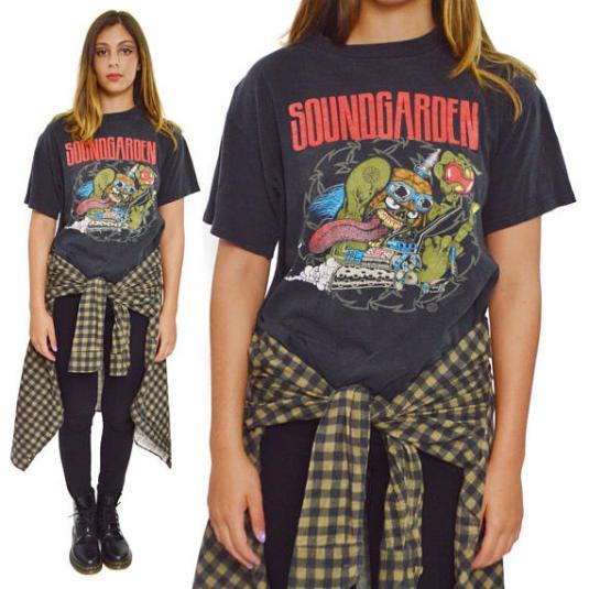 93e977e68 Vintage 90s Soundgarden Badmotorfinger Tour Grunge T Shirt L