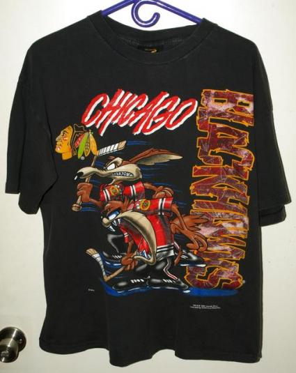 Vintage 90s chicago blackhawks looney tunes t shirt for Vintage blackhawks t shirt
