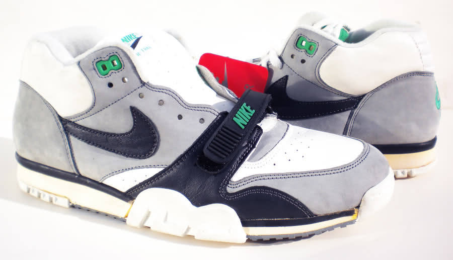 17e8380292e6 Vintage Nike Air Trainer High (1987) Sneakers Shoes