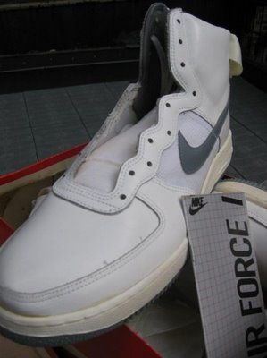 sneakers for cheap 2d9a2 f0db0 some more backhround info on Air forces 1 from wikipedia
