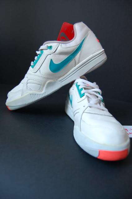 Vintage Nike Air Challenge Court Sneakers