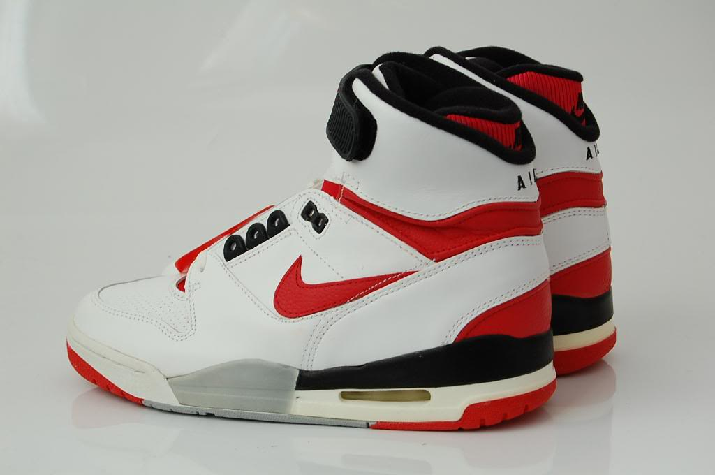 bb2d5901585 Vintage Nike Air Revolution (1988) Sneakers Shoes