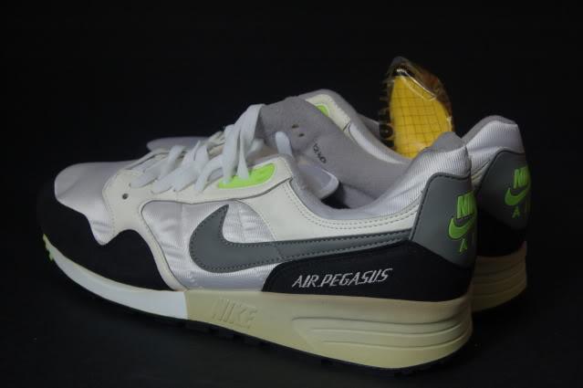 Vintage Nike Air Pegasus 1989 Sneakers