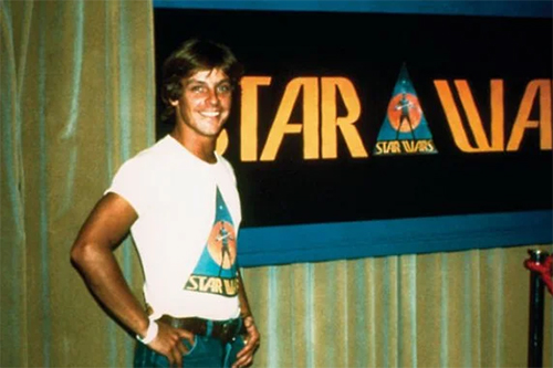 Mark Hamill in Star Wars T-Shirt