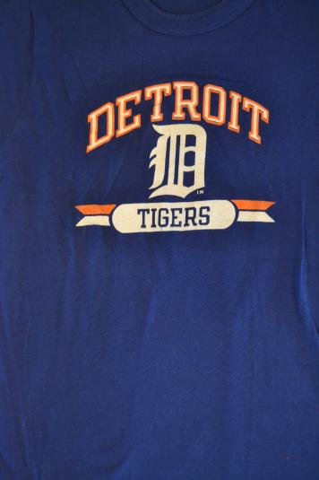 Awesome Vintage 80's Detroit Tigers Champion T-shirt