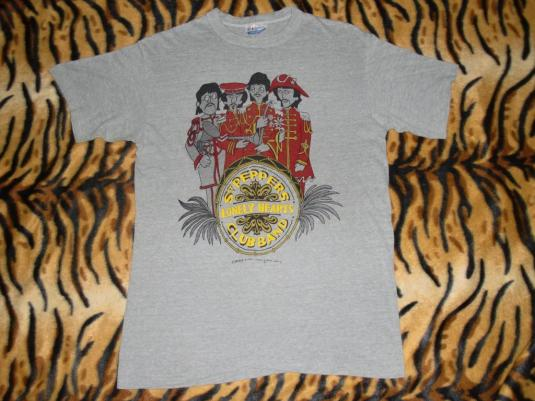 THE BEATLES 87′ SGT. PEPPERS LONELY HEARTS CLUB BAND T-SHIRT