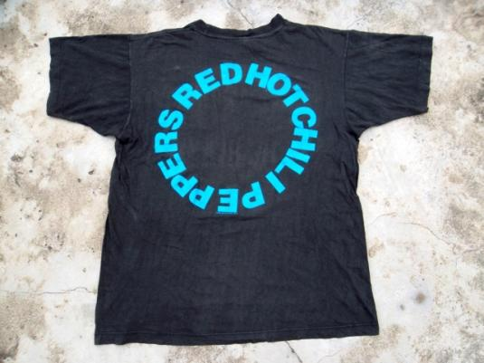 VINTAGE RED HOT CHILI PEPPERS 1992 T-SHIRT