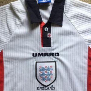ENGLAND: Vintage 1997-99 football shirt