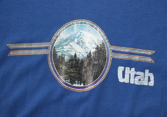 Utah snowy mountains vintage blue t-shirt Large