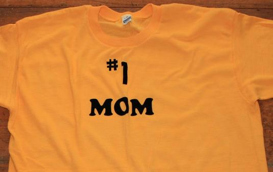 #1 Mom Mother's Day vintage t-shirt Large