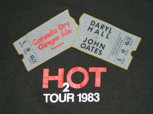 Vintage DARYL HALL + JOHN OATES 1983 H2O Tour T-Shirt 80s L