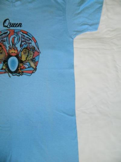 DEAD STOCK QUEEN 1975 A Night At The Opera Vintage T-Shirt