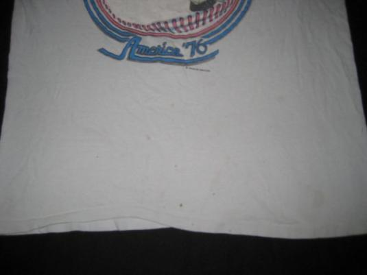vintage LYNYRD SKYNYRD 1976 AMERICA '76 TOUR T-Shirt concert