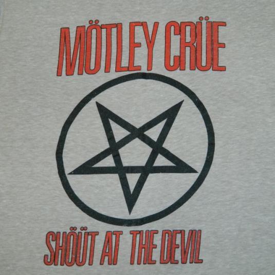 Vintage MOTLEY CRUE 1983 Shout At The Devil Tour T-shirt