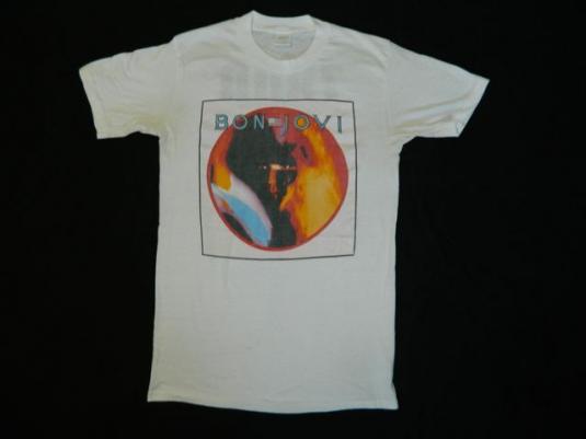 Vintage BON JOVI 1985 7800 DEGREES FAHRENHEIT Tour T-Shirt