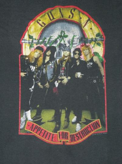 vintage GUNS N ROSES 1989 WELCOME TO THE JUNGLE T-Shirt