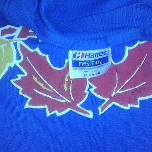 Vintage 80s CANADA Maple Leaves t-shirt awesome silkscreen