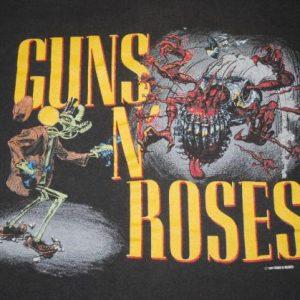 VINTAGE GUNS N ROSES 1987 GRAPHIC RAPE SCENE T-SHIRT *