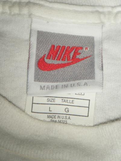 Nike Challenge Court 90s shirt