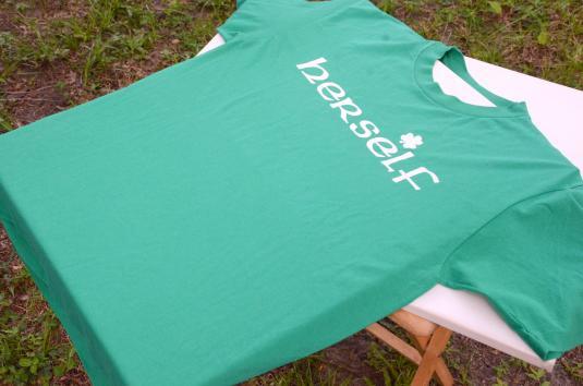"""Vintage 1980s """"Herself"""" Irish Green T-Shirt L"""