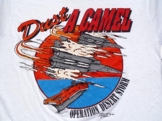 """Vintage 1990s Desert Storm """"Dust a Camel"""" White T-Shirt M"""
