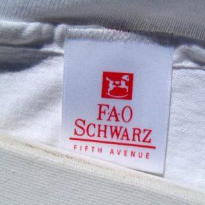 Vintage 1990s FAO Schwarz Fifth Avenue White T Shirt L