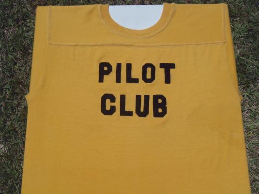 Vintage 1980s Yellow Pilot Club T-Shirt M