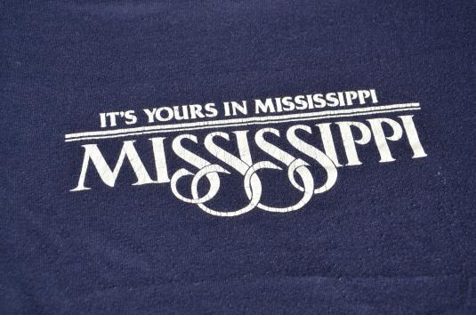 """1980s """"Its Yours In MIssissippi"""" Souvenir Vintage T-Shirt"""