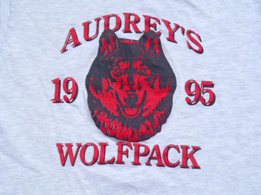 Vintage 1990s Heather Gray Audrey's Wolf Pack T Shirt M