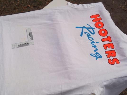 Vintage 1990s Al Kulwicki Hooters NASCAR Racing T-Shirt L