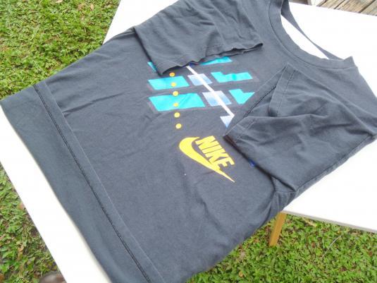 Vintage 1980s Nike Dark Navy Cotton Graphic T-Shirt L