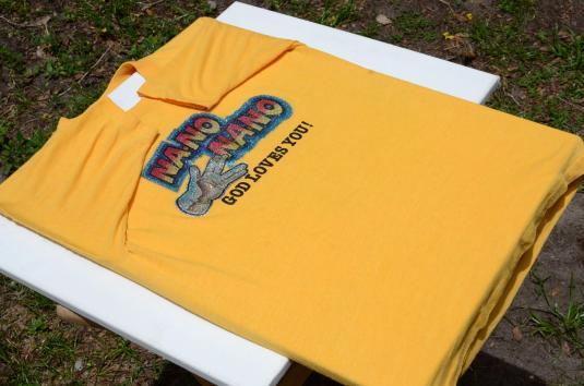Vintage 1970s Na-No Na-No God Loves You Yellow T Shirt M