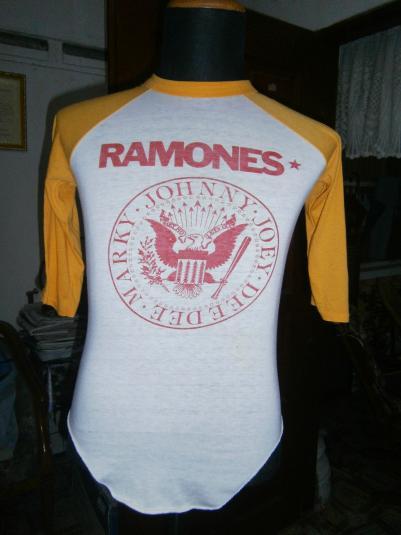 Ramones 3 quater sz S