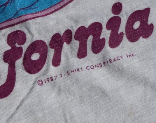 Vintage 1980s CALIFORNIA RAISINS Surfing Screen Stars Shirt