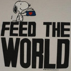 Vintage 1990s Snoopy Feed The World Peanuts T-Shirt 80s