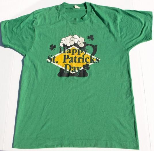 Vintage 1980s Happy St Patricks Day Irish Beer Mug T Shirt