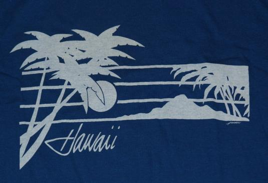 Vintage 1980s Hawaii Sunset Beach Surfing T-Shirt