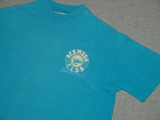 Vintage Aqua Green Blue Bermuda Club Beach T-Shirt