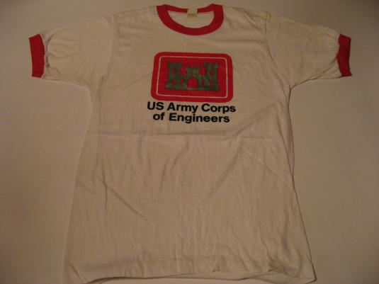Vintage US United States Army Corps of Engineers T-Shirt S
