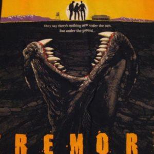 Vintage Tremors T-Shirt Kevin Bacon Horror 1980s M