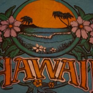 Vintage 1970s Hawaii T-Shirt Floral Waves S