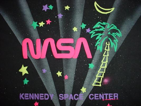 Vintage NASA Kennedy Space Station Raised Printing! 1990 M
