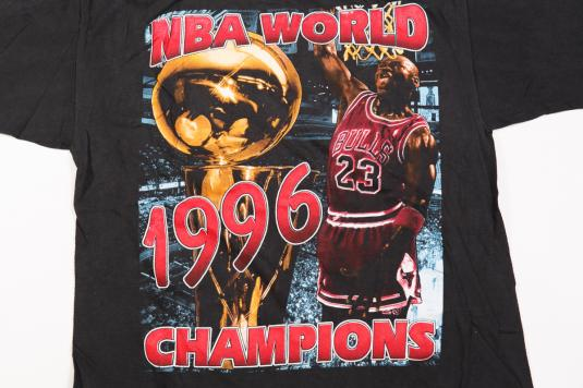 1996 CHICAGO BULLS WORLD CHAMPIONS VINTAGE T-SHIRT