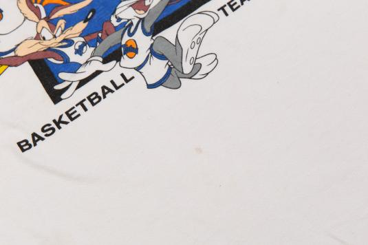 1996 LOONEY TUNES SPACE JAM TEAM BASKETBALL VINTAGE T-SHIRT