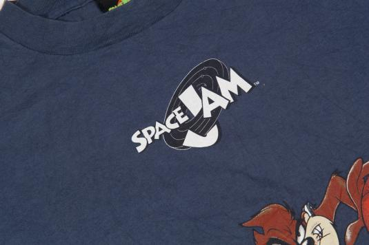 1996 LOONEY TUNES SPACE JAM BASKETBALL TEAM VINTAGE T-SHIRT