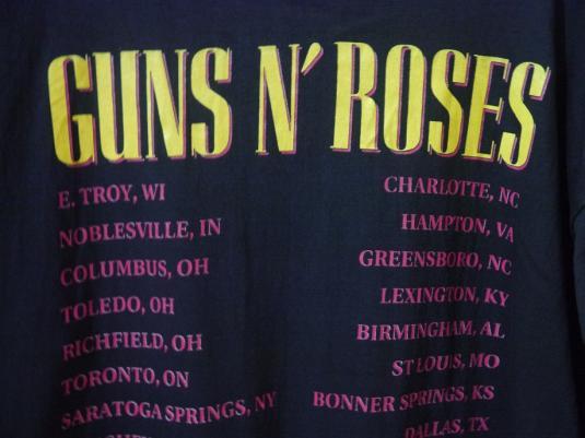 1991 GUNS N' ROSES Use Your ILLusion TOUR T-SHIRT GNR