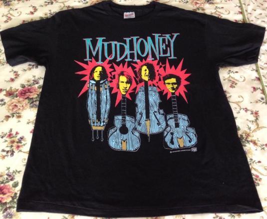 VINTAGE 1993 MUDHONEY T SHIRT
