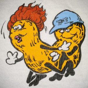 VINTAGE FUCKIN' NUTS - FASHION VICTIMS T-SHIRT