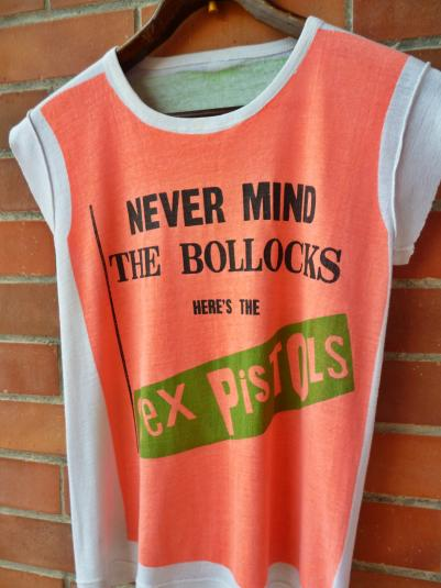 VINTAGE 1977 THE SEX PISTOLS NEVERMIND THE BOLLOCKS T-SHIRT